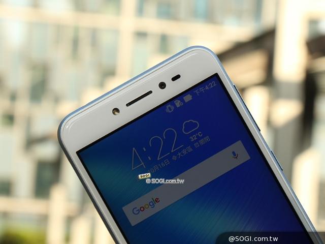 冰川藍新色開箱!華碩ZenFone Live美顏直播手機