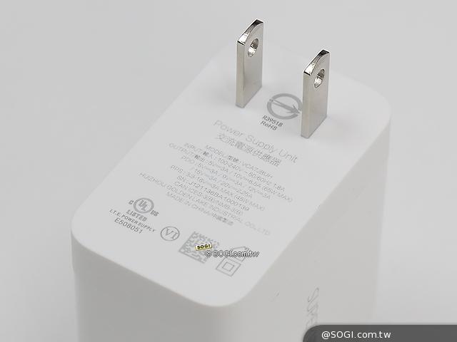 65W充電器