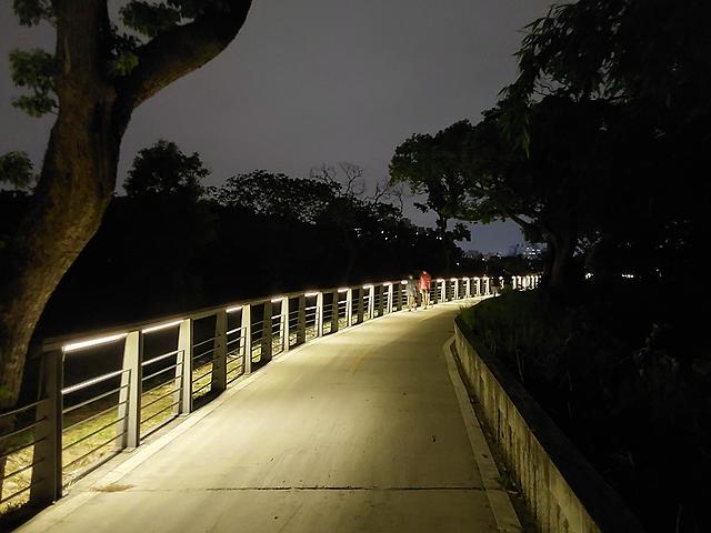 夜景模式(開)