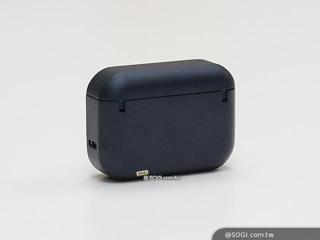 充電盒背面
